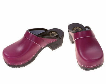 Clogs purple