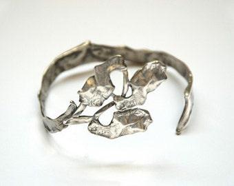 Silver Bangle Bracelet for women.
