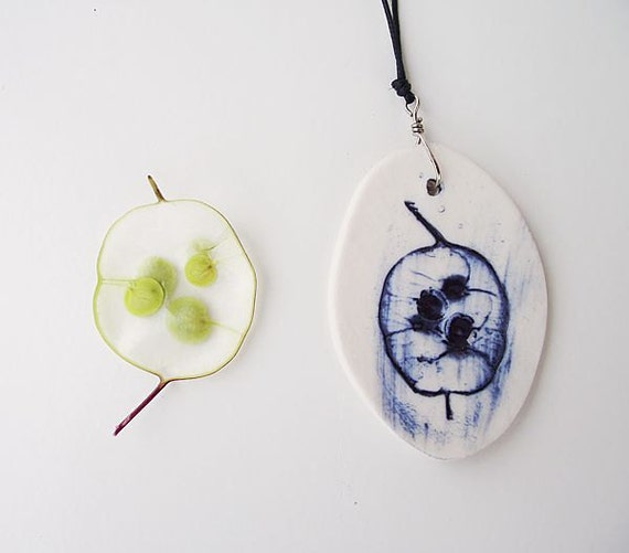 Lunaria Annua Seed wishes prosperity and abundance - Porcelain necklace