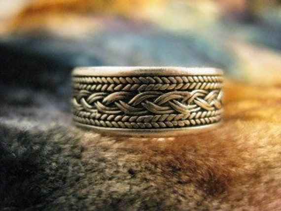 Vintage Sterling Silver Tribal Ring size 10