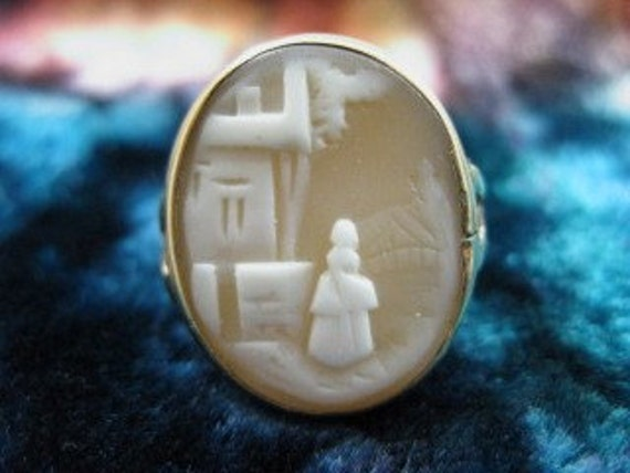Size 6 Beautiful 14k Rebecca at the Well Gold Cameo Ring