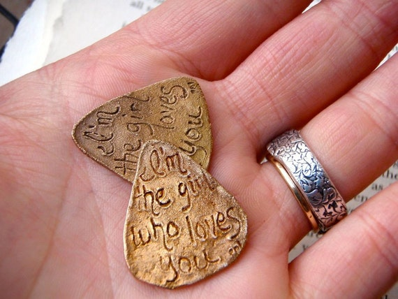 SALE guitar pick . im the girl who loves you . engraved guitar pick . valentine love token by peaces of indigo