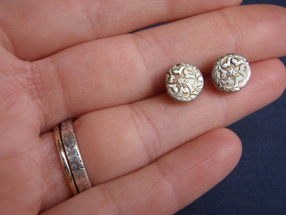 sterling silver post stud earrings . recycled silver ivy post circle earrings .  ivy vine texture . ready to ship stocking stuffer
