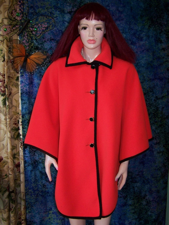 CAPE SAKS 5th ave FaB MoD WooL osfa Peak Season Color Storewide SALE