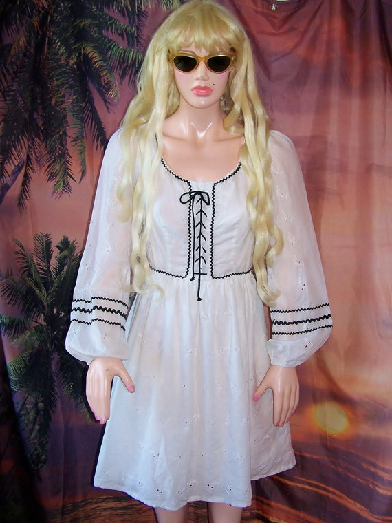 Peasant Dress Gunne Sax style Short & Sweet size s BuY 2 GeT 1 FREE SALE on now