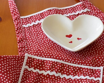 Everyday Flair Queen of Hearts Apron -- Red and White