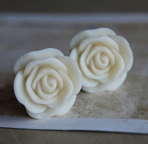 """7/16"""" (11mm) Creamy White Rose Flower Plugs for stretched ears"""
