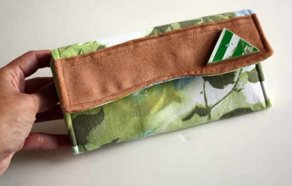 Recycled Skateboard Seven Ply Vintage Floral Wallet-Vintage Fabric and Triangle Button