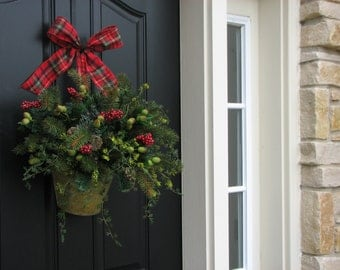 Decorative Wreaths, Home Decor, Country Christmas Decor, Holiday Wreaths, Christmas Baskets, Wall Pockets, Holiday Decorations