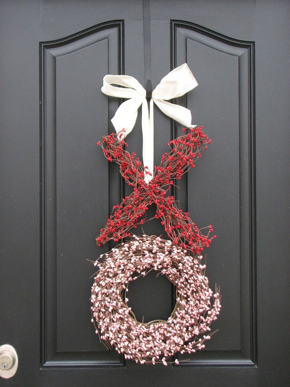 Berry Wreath -  Kisses and Hugs - XO