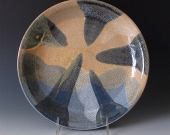 Shallow Pie Plate. Earth Tones