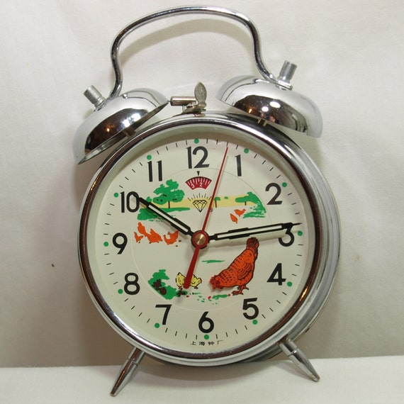 Vintage Wind Up Alarm Clock with Moving Chickens - FABULOUS CHICKEN ...