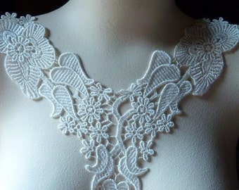 IVOry Lace Applique for Bridal, Jewelry or Costume Design IA 706