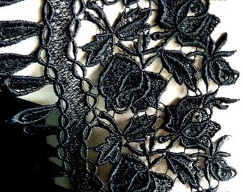 Venice Lace in Black for Applique, Corsets, Costume or Jewelry Design L 3009