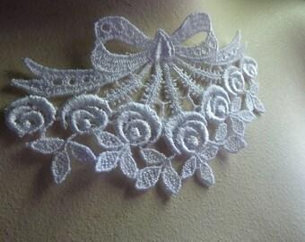 SALE 2  WHITE Lace Appliques in Venise Lace for Bridal, Jewelry Supply, Lolita, Costume Design SWA 460