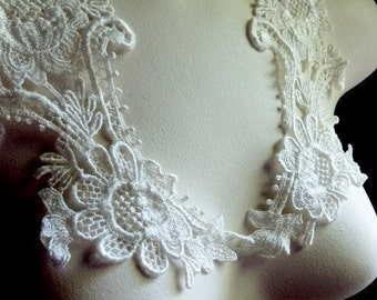 Lace Applique Pair in Ivory Cream Venice Lace for Bridal, Costume Design PR 101