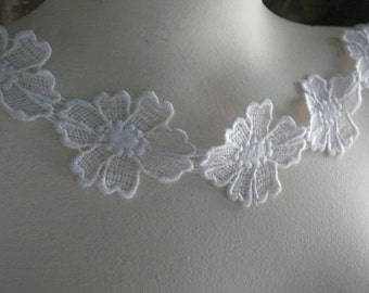 12 Ivory Flower Appliques Venice Lace Daisies Trim for Bridal,  Costume or Jewelry Design L 2027