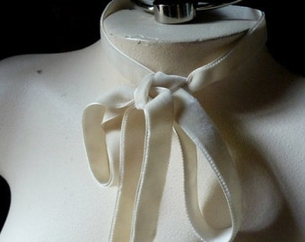 2 YARDS Velvet Ribbon in Ivory for Bridal, ,Millinery, Couture, Floral Supply VL 171