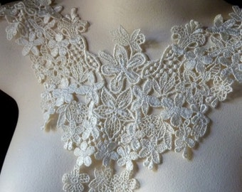 Lace Applique in Ivory  Venise Lace for Bridal, Garters, Lace Jewelry,   Costume Design IA 215ivory