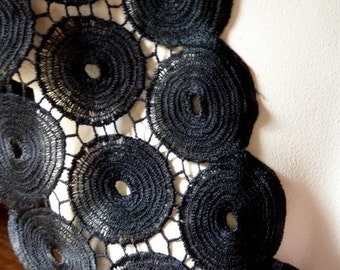 Venise Lace in Black for Applique, Couture, Costume, Jewelry or Millinery Design L 8009