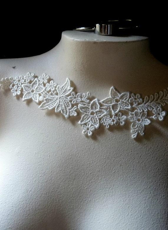 Ivory Lace Applique for Bridal, Straps, Jewelry & Costume Design SIA 509