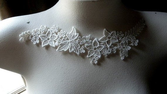 3 Ivory Appliques in Ivory Cream Venice Lace for Lyrical Dance, Bridal, Jewelry, Garments SIA 509