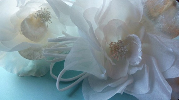 SALE Silk Flower with Velvet in White for Bridal, Hat or Floral Supply, Fascinators, Headbands, Sashes MF 108