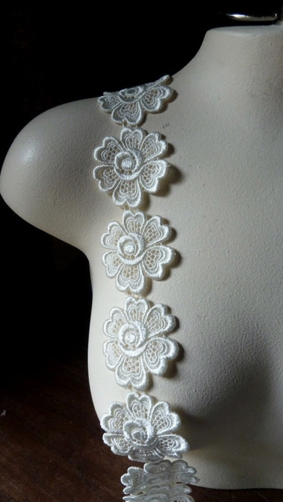 8 Ivory Lace Applique Flowers in Venise Lace for Bridal, Applique, Jewelry, Garment and Costume Design