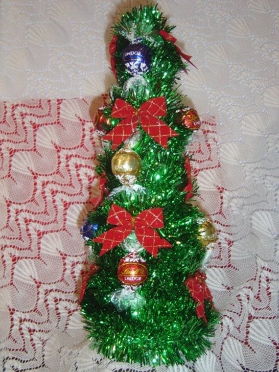 Items similar to lindt chocolate christmas candy tree