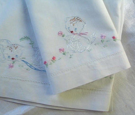 Vintage Crib Sheet and Pillowcase Set in Cotton with Embroidered Kittens