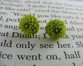 mini mum earrings-MOSS