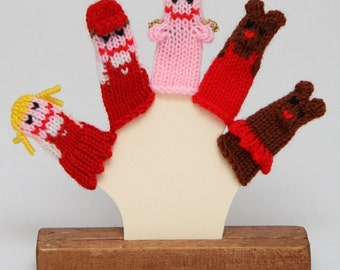 Sweethearts Finger Puppet Set.  (Includes Girl, Boy, Girl Bear, Boy Bear, and Cupid.)  We can make custom orders.