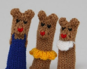 Bear Family Finger Puppet Set  (Includes Dad Bear, Mom Bear, Brother Bear, Sister Bear, and Baby Bear.)   We can create custom orders.