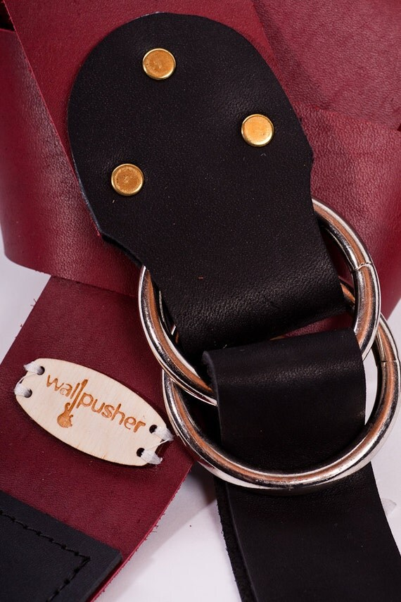 Adjustable Leather guitar strap in red on black
