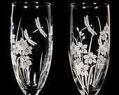 2 Personalized Wedding Champagne Flutes, Dragonfly & Orchid, Engraved Gift for Couple, Quinceanera