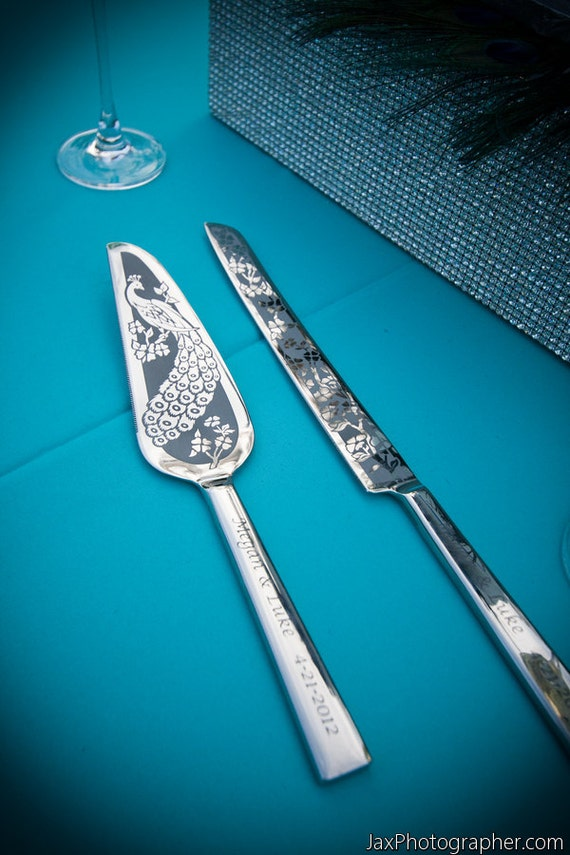 Peacock Wedding Cake Server and Knife, Personalized Table Settings for Wedding Cake