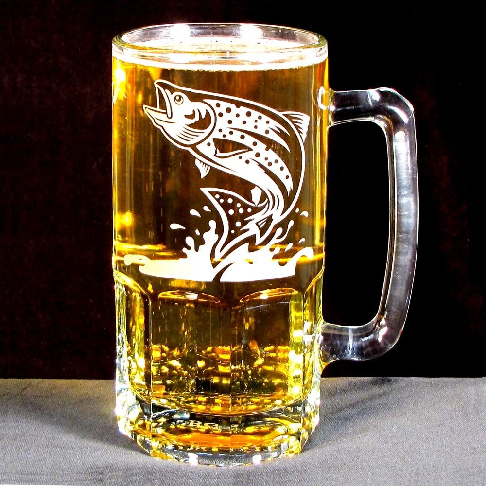 Groomsman gift beer stein etched glass fish giant 1 liter for Fish and beer