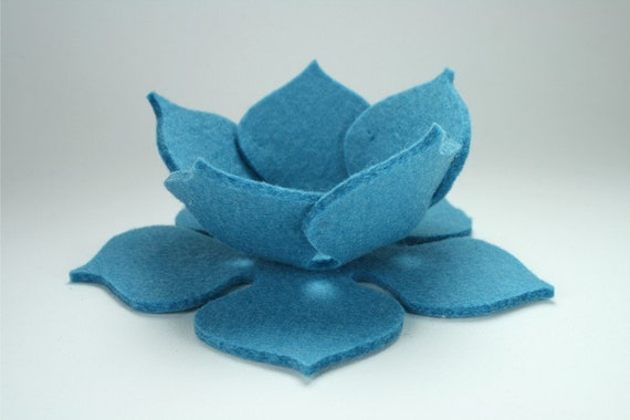 Turquoise Ring Dish Lily Pad Lotus Bowl Jewelry Trinket Holder in 3mm Virgin Merino Felted Wool Wedding Ring Dishes Felt