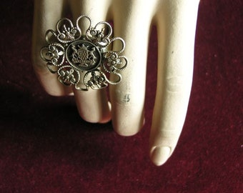Royalty silver ring