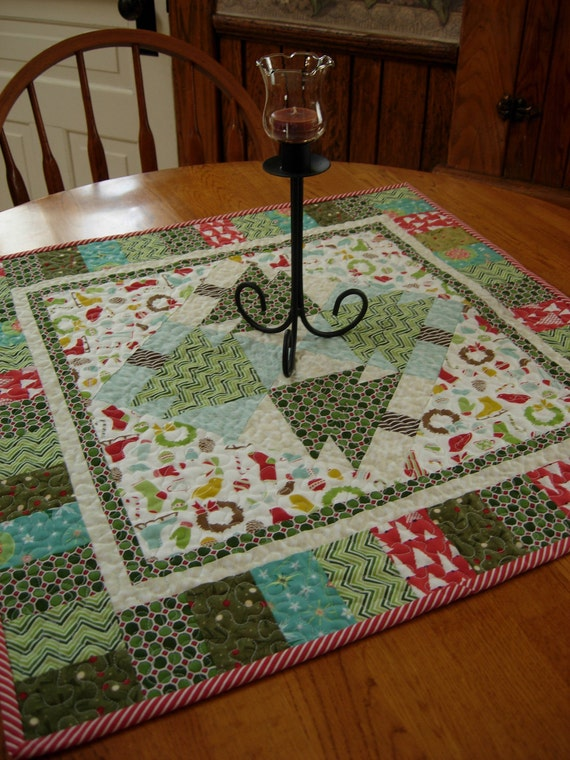 Wintergreen Table Topper