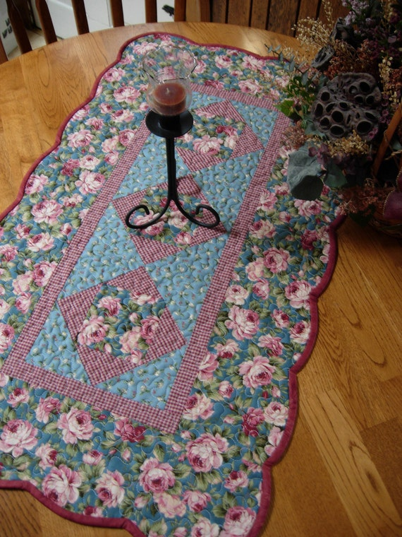 Country Rose Table Runner Sale