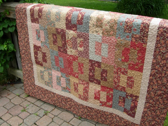 Antique Fair Quilted Throw