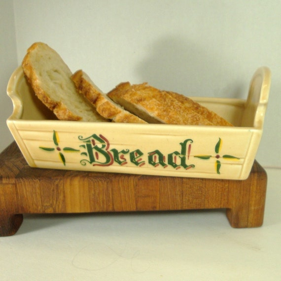 California Pottery Bread Basket, Ceramic by METLOX,, Red Green Yellow Roosters, says Bread on Each Side, Beige Glazed Serving Dish