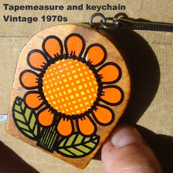 Vintage Tapemeasure and Flower Power Keyring .. For Every Crafter or Crafty Friend..UNused..New Old  .Comes Gift Boxed