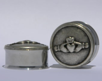 "Claddagh Heart in Hand Plugs 7/8"" 22mm"