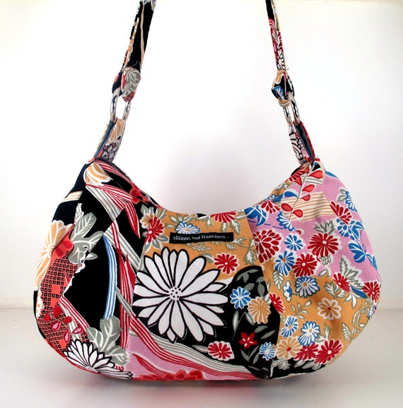 """SALE. HALF OFF. Hobo in """"Japanese Print"""" Fabric. Handmade in San Francisco. Floral mix of pinks, reds, black and white."""