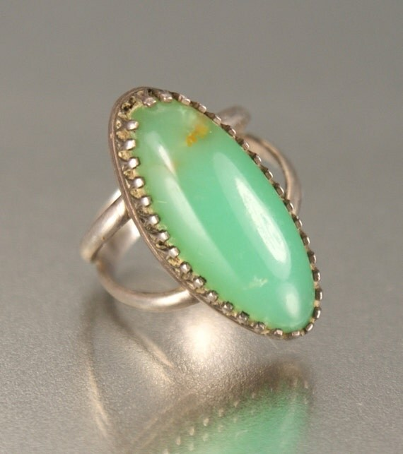 ON SALE Vintage Sterling Green Agate Ring
