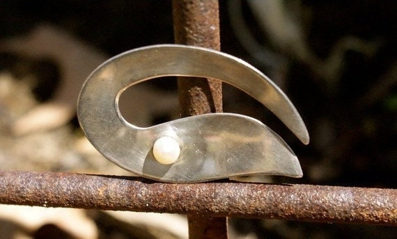 Vintage MODERNIST Sterling Pearl Pin Brooch