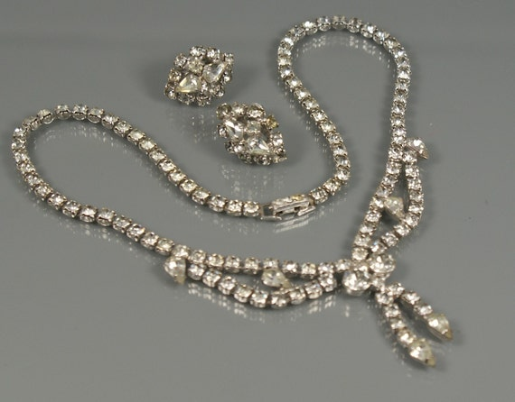 Rhinestone vintage jewelry teresa