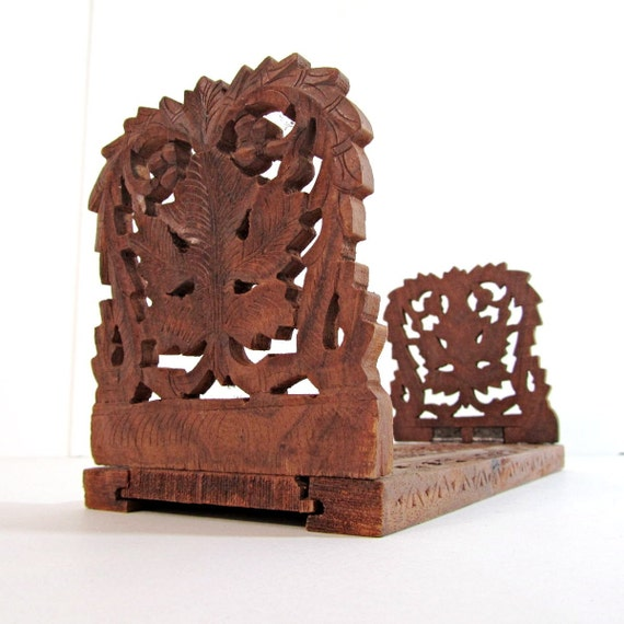 Vintage Monkey Wood one piece bookends